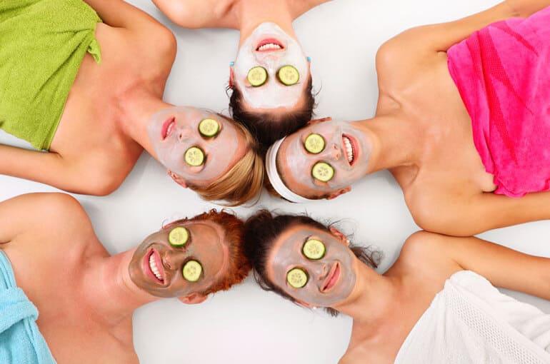 En este momento estás viendo 3 beneficios de las mascarillas naturales y cómo aplicarlas