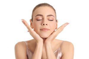 ejercicios diarios de yoga facial
