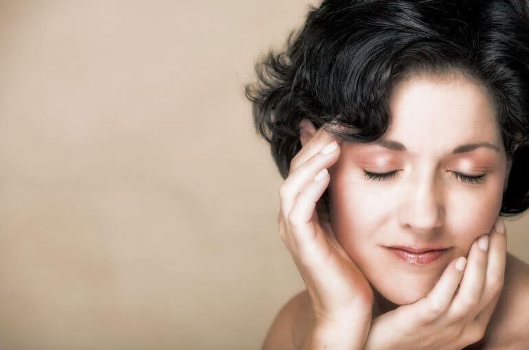 En este momento estás viendo 7 ejercicios faciales para mejorar tu piel | ¡Vamos allá!