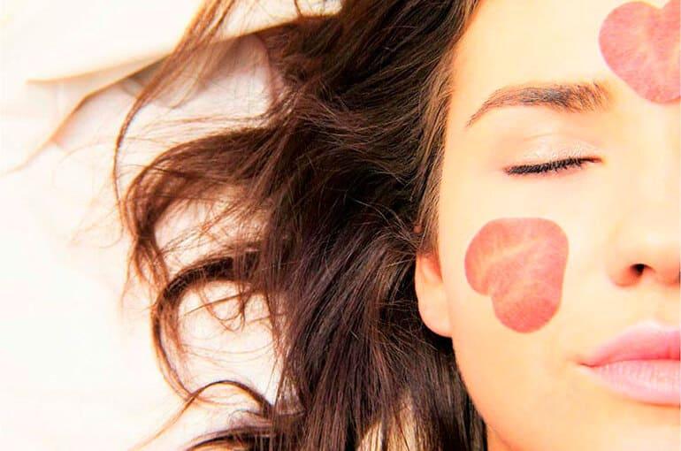 En este momento estás viendo Beneficios de dormir bien para tu belleza
