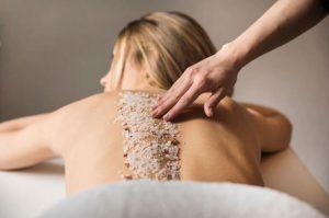 Lee más sobre el artículo Beneficios de la exfoliación corporal