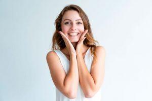 Lee más sobre el artículo Cómo prevenir las manchas en la cara causadas por el sol
