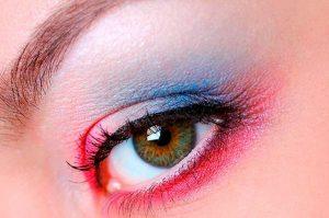 Lee más sobre el artículo Trucos de maquillaje para estas navidades