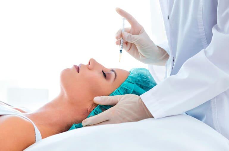 En este momento estás viendo Botox: Aplicaciones, beneficios y tratamientos
