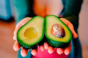 Lee más sobre el artículo Descubre las frutas que te ayudan a prevenir las varices