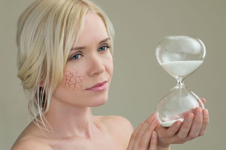 En este momento estás viendo ¿Qué productos son los mejores antiedad para las mujeres?